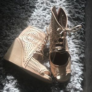 Jeffrey Campbell rodillo wedge